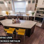 Dekorasi Metalik yang Membuat Dapur Tampak Unik