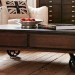 Mudah Ganti Suasana Ruang Tamu, Gunakan Coffee Table Beroda Ini!