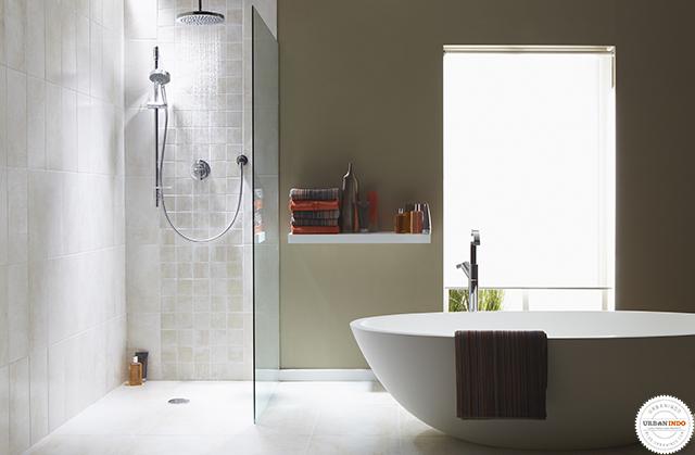 Desain Area Shower Tanpa Pintu, Cocok untuk Kamu yang Mandinya Ga Pake Ribet!