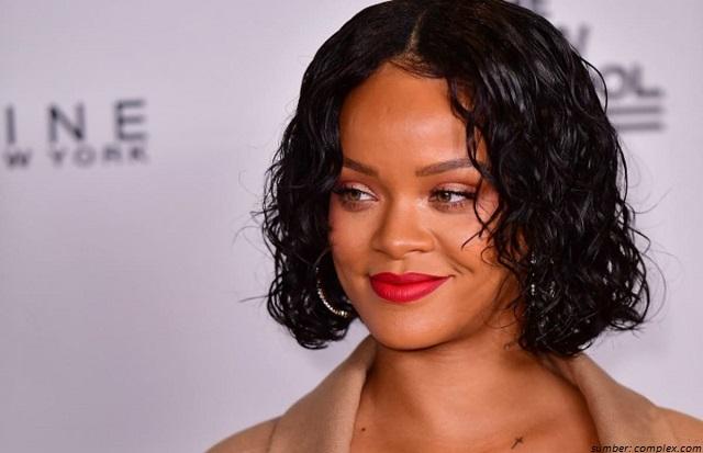 Baru 6 Bulan Dibeli, Rihanna Jual Kembali Rumah Mungil Ini. Kenapa Ya?