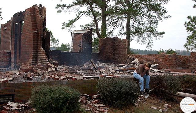5 Keteledoran Ini Ternyata Berpotensi Membuat Rumah Terbakar. Waspadalah!