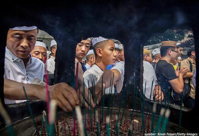 9 Tradisi Lebaran yang Unik di Dunia. Indonesia Juga Punya Ternyata!