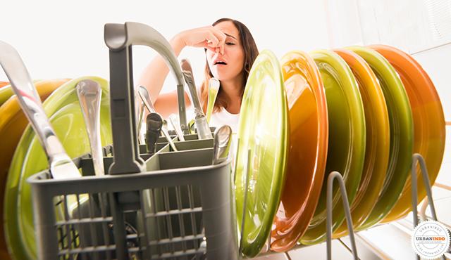 7 Tips Ampuh Membersihkan Peralatan Dapur Secepat Kilat
